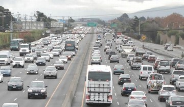 Buses_Stuck_in_Highway_101_Traffic